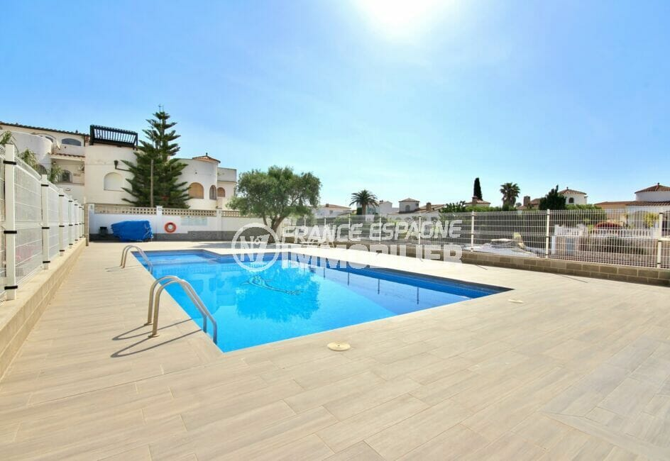 appartement à vendre costa brava, appartement de 38 m², piscine communautaire