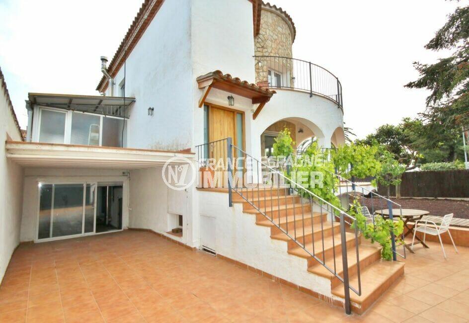 vente immobiliere costa brava: villa  5 pièces 265 m², buanderie et grand débarras