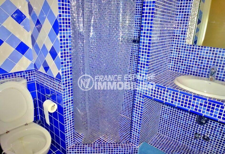 vente maison costa brava, 213 m² avec 4 chambres,, salle d'eau, douche et wc