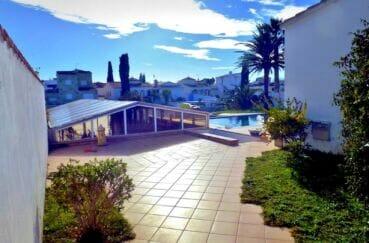 vente immobiliere costa brava: villa 213 m² avec 4 chambres, piscine sur terrain de 1125 m²