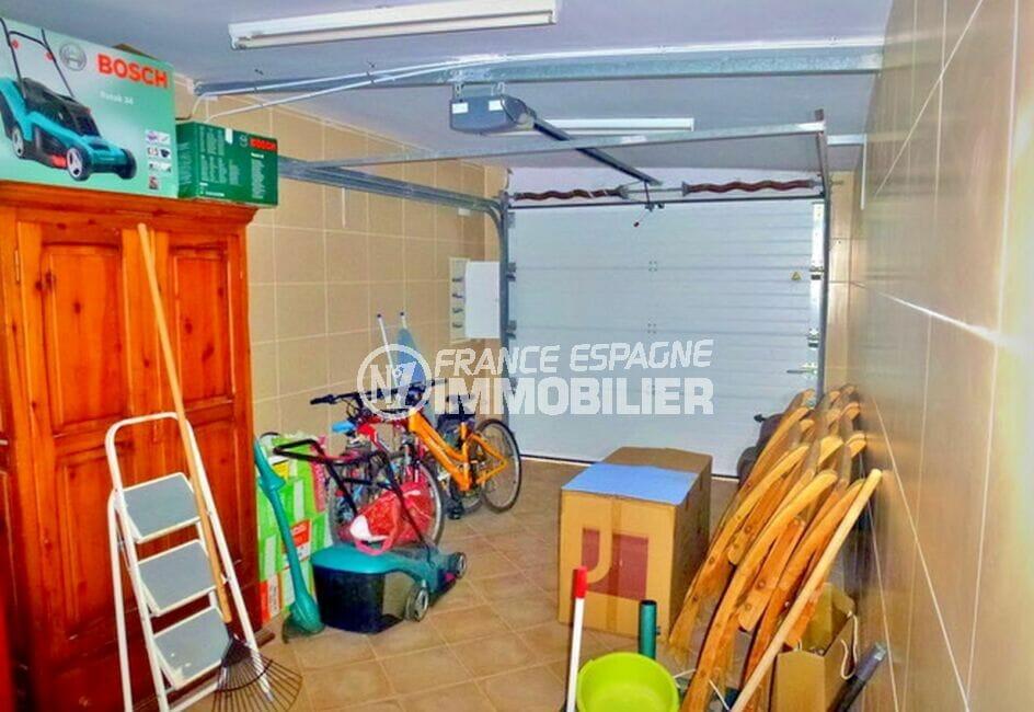 vente immobilière costa brava: villa 213 m² avec 4 chambres, garage, porte électrique
