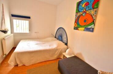 achat maison espagne costa brava, villa 300 m², chambre à coucher avec lit double