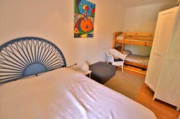 achat maison rosas espagne, villa 300 m², chambre avec lit doucle et lits superposés