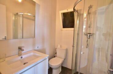vente immobiliere rosas: villa 300 m², salle d'eau avec douche et wc, grande vasque