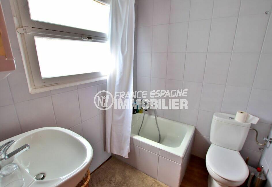 maison a vendre costa brava bord de mer, 300 m², salle d'eau avec douche et wc