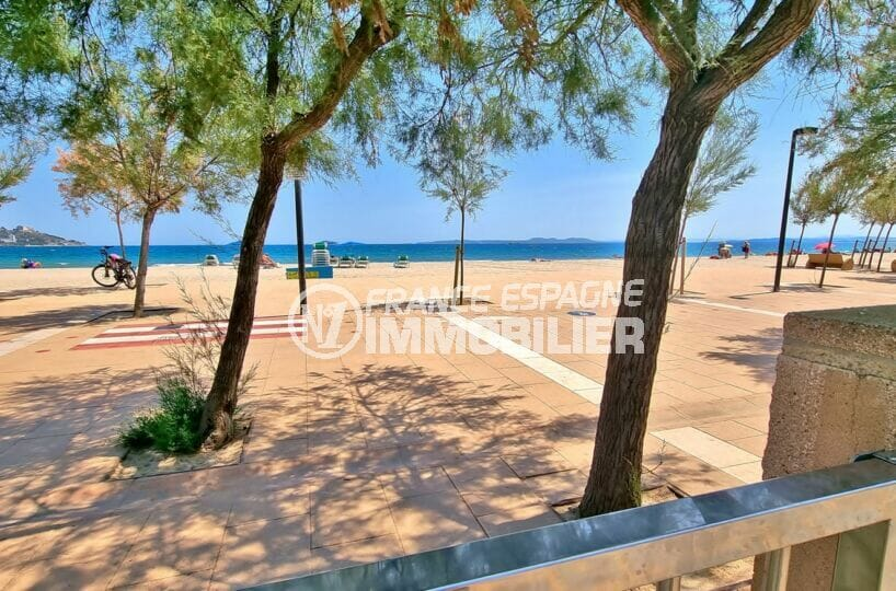 vente appartement rosas, 2 pièces 46 m² avec terrasse véranda, petite vue sur mer, parking. plage à 50 m