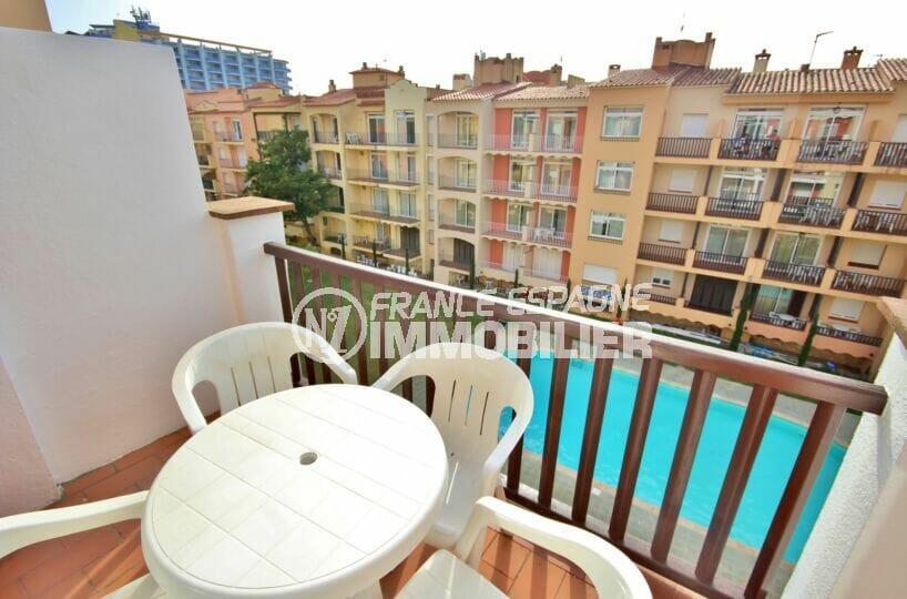 appartement empuria brava, 3 pièces 57 m², terrasse, possibilité piscine, plage et commerces à 100 m