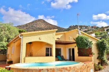 villa roses vue mer, piscine, garage, exposition sud 4167