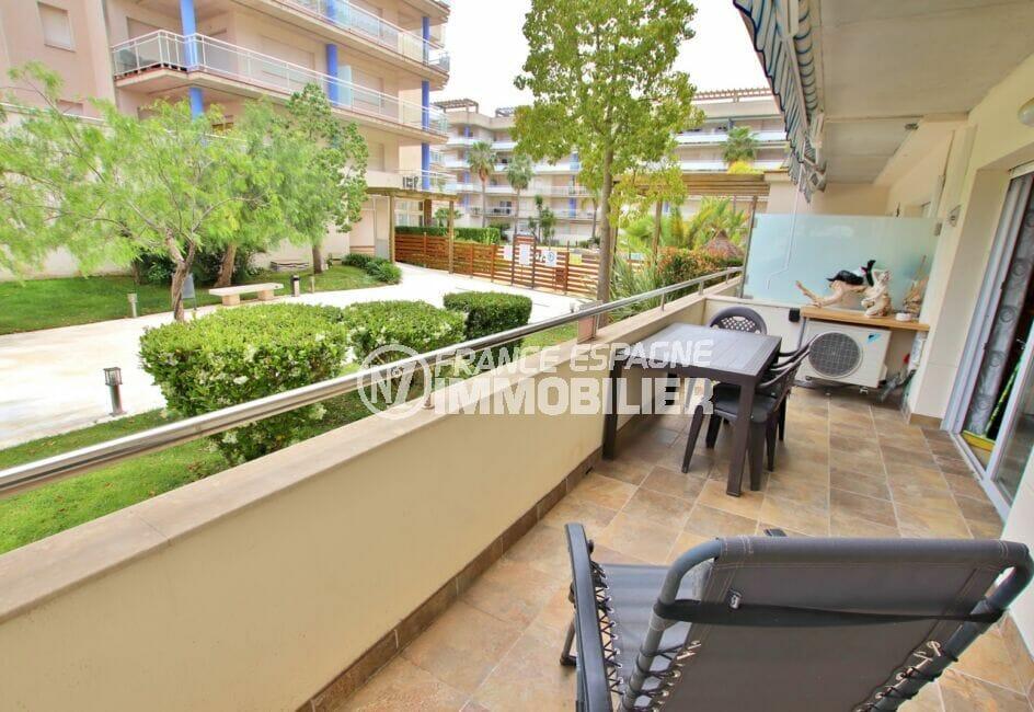 immo roses: appartement 3 pièces 58 m², grande terrasse de 14 m², exposition sud