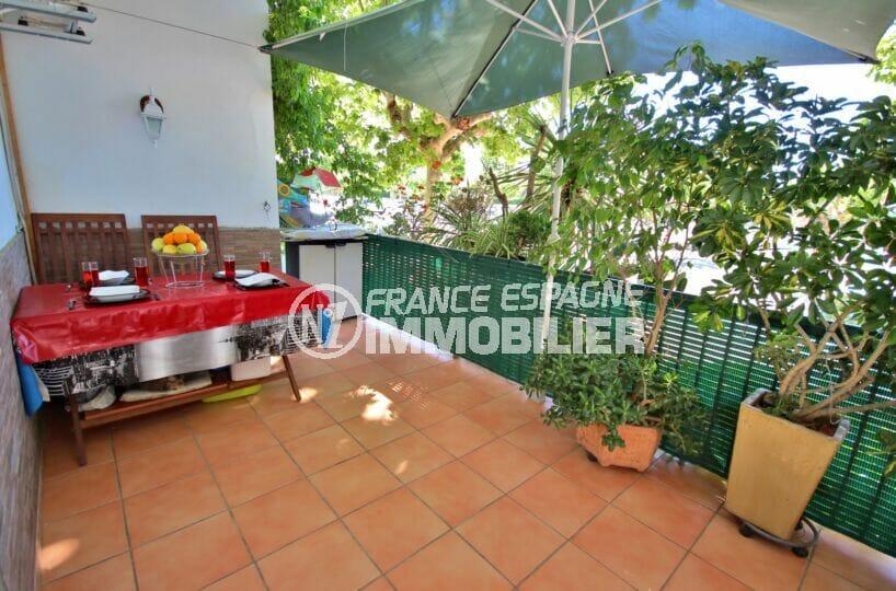 appartement empuriabrava, 3 pièces 65 m² avec terrasse, plage 500 m, proche toutes commodités