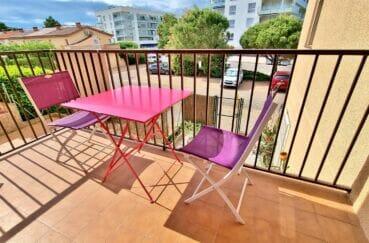 appartement roses, 3 pièces 60 m² avec terrasse, parking privé sous-sol, piscine communautaire, proche plage