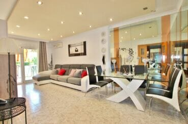 achat appartement rosas, 4 pièces 96 m², terrasse 115 m², exposition sud, au pied des commerces, plage à 500 m