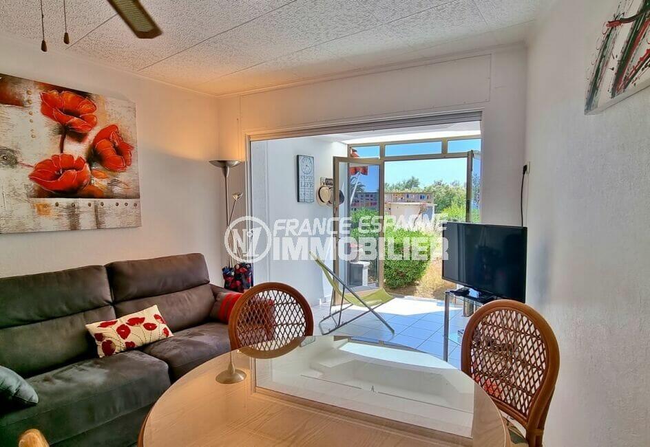 appartement a vendre costa brava, 2 pièces 46 m², séjour avec une terrasse véranda, vue mer