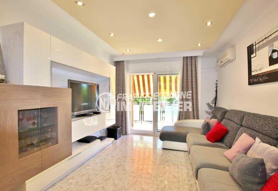 acheter appartement rosas, 4 pièces 96 m², salon/séjour lumineux avec terrasse