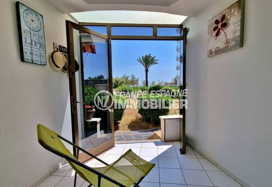 appartements a vendre a rosas, 2 pièces 46 m², terrasse véranda avec petite vue sur la mer