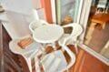appartement a vendre costa brava, 3 pièces 57 m², terrasse aménagée, table et chaises