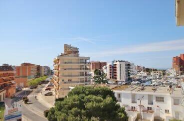 appartement a vendre roses santa margarida, 3 pièces 64 m² avec une vue canal latérale