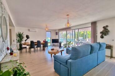 vente immobiliere rosas: villa 4 pièces 131 m² avec climatisation dans le salon/salle à manger