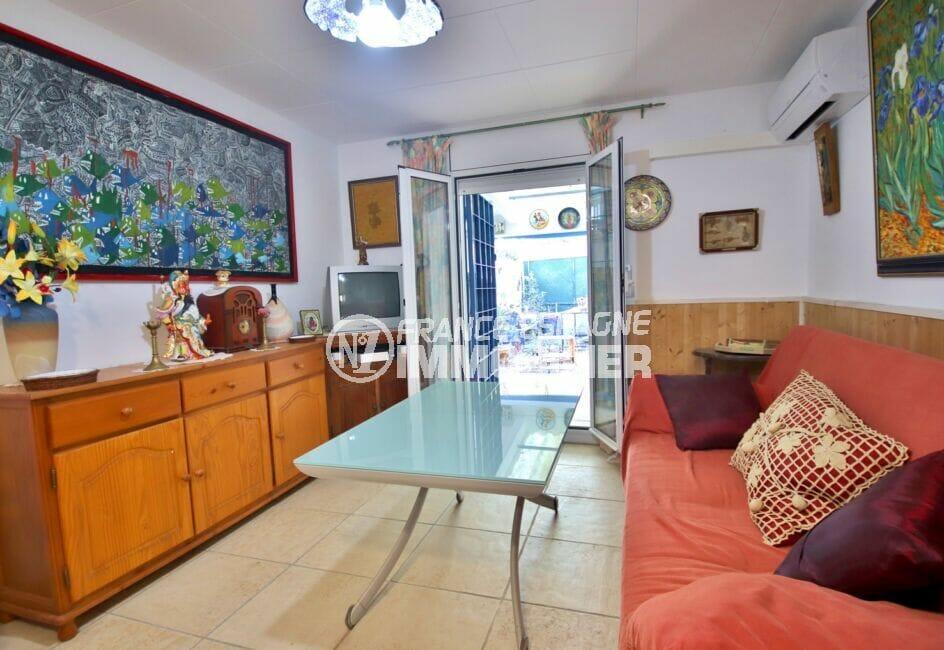 maison a vendre a empuriabrava, 3 pièces 66 m², salon/séjour avec climatisation, terrasse