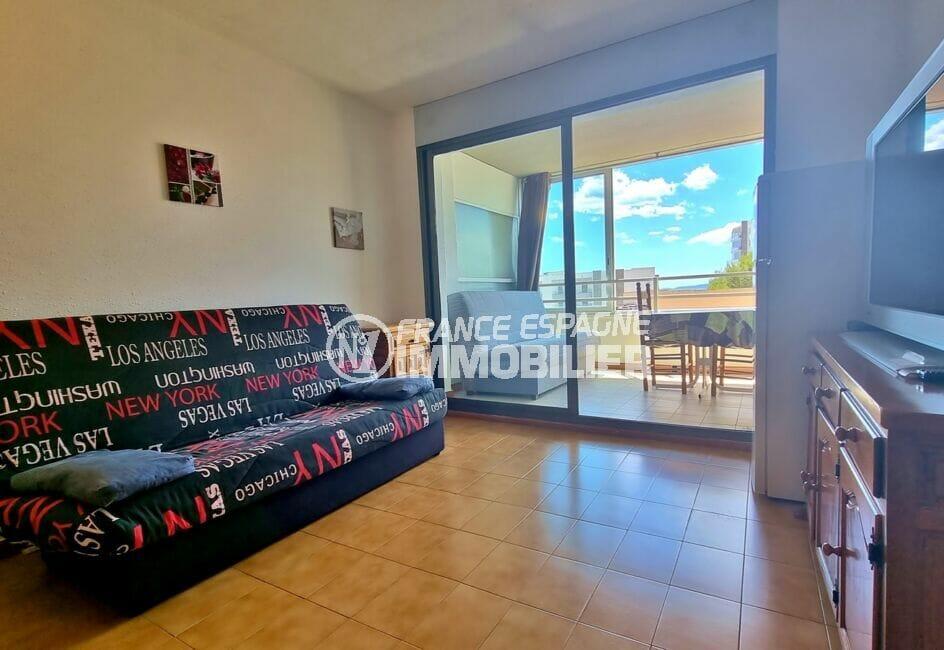 appartements a vendre a rosas, 2 pièces 43 m², salon avec accès terrasse véranda