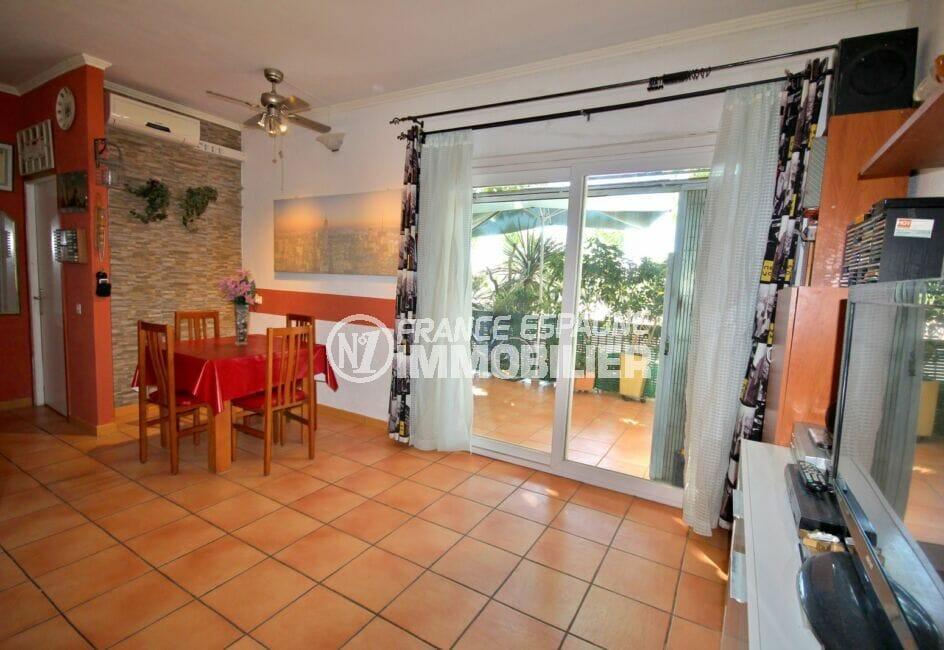 acheter appartement empuriabrava, 3 pièces 65 m², séjour donnant sur la terrasse