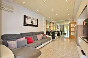 appartement a vendre roses,  4 pièces 96 m², salon/séjour, spots encastrés au plafond