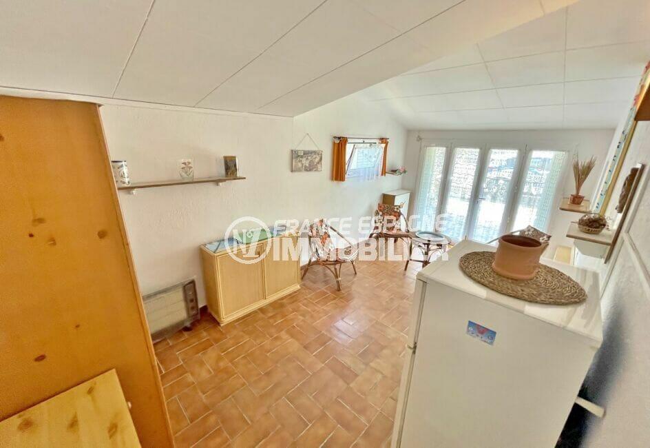 maison à vendre empuriabrava,  3 pièces 76 m², salon avec accès à la terrasse