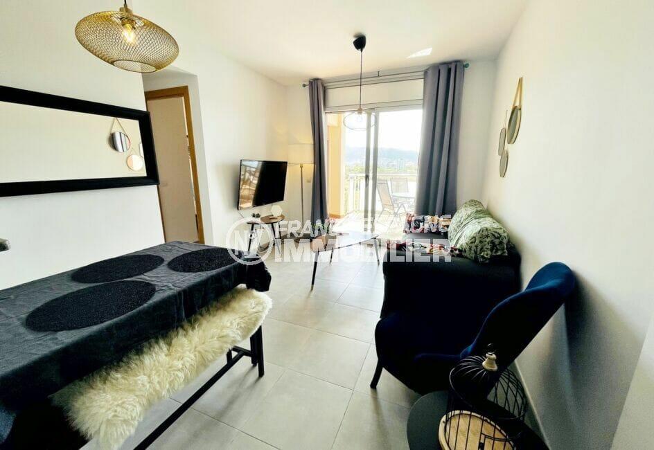 vente appartement santa margarita, 3 pièces 64 m², salon avec accès direct à la terrasse