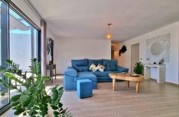 vente immobilière rosas: villa 4 pièces 131 m², salon avec accès terrasse