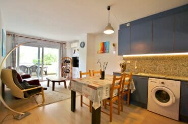 achat appartement rosas, 3 pièces 58 m², cuisine ouverte équipée, nombreux placards