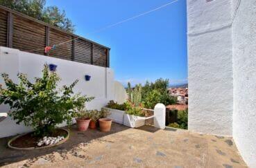 maison a vendre espagne, 4 pièces 166 m² avec une cour intérieure fleurie