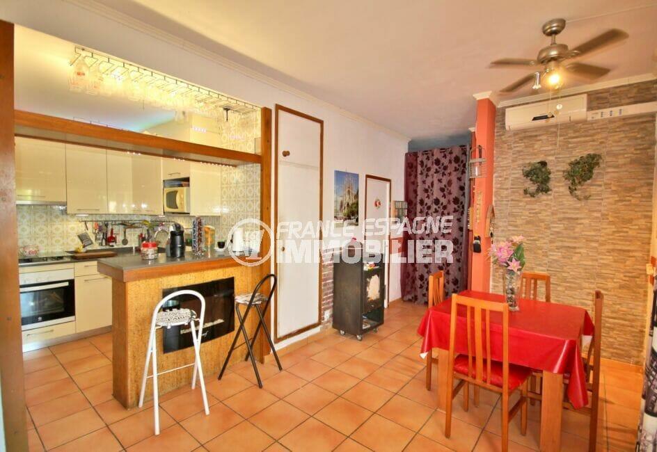 appartement à vendre empuriabrava, 3 pièces 65 m², cuisine ouverte avec son coin repas