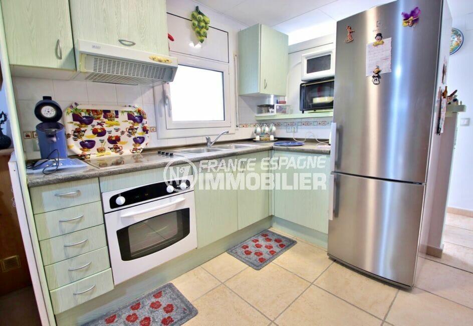 vente empuriabrava: villa 3 pièces 66 m², cuisine équipée: four, plaques, hotte