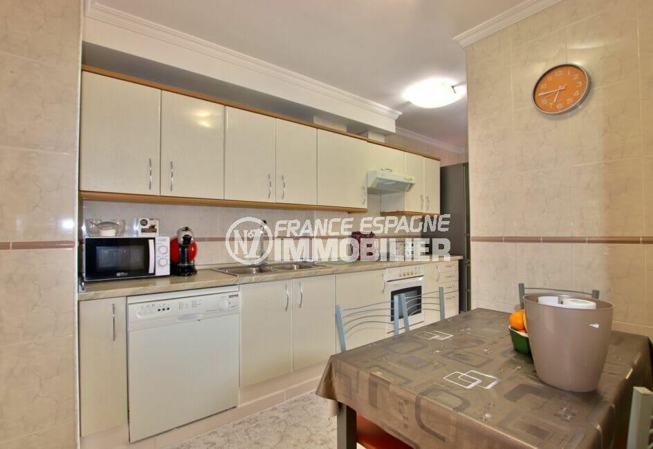 appartement rosas achat,  4 pièces 96 m², cuisine indépendante aménagée et équipée