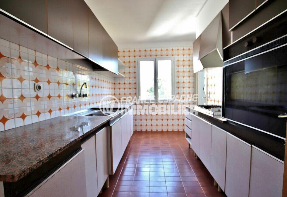 achat appartement costa brava, 5 pièces 95 m², cuisine moderne aménagée et équipée