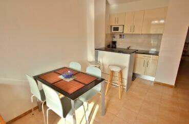 vente immobiliere costa brava: appartement 3 pièces 57 m², cuisine aménagée, passe-plat