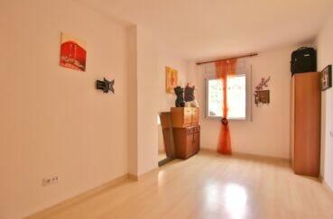 acheter appartement rosas, 3 pièces 58 m², 1° chambre à coucher lumineuse