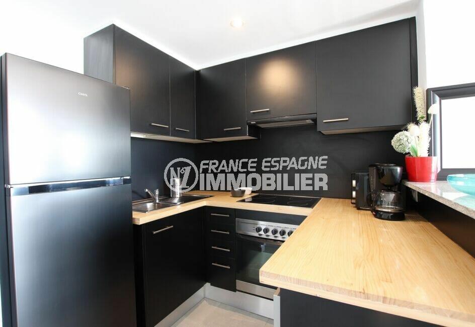 appartement a vendre a rosas, 3 pièces 64 m², cuisine aménagée, nombreux placards