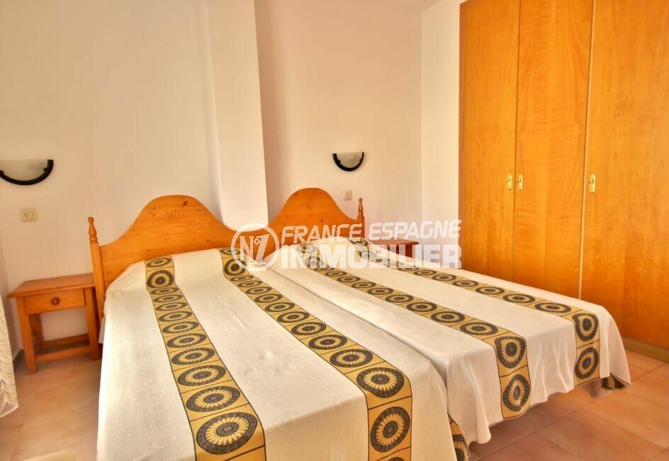 vente immobilier costa brava: appartement 3 pièces 57 m², chambre avec armoire encastrée