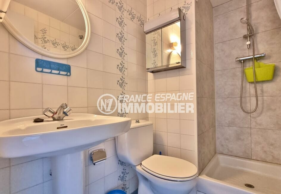 vente appartement costa brava, 2 pièces 43 m², salle d'eau avec douche et wc