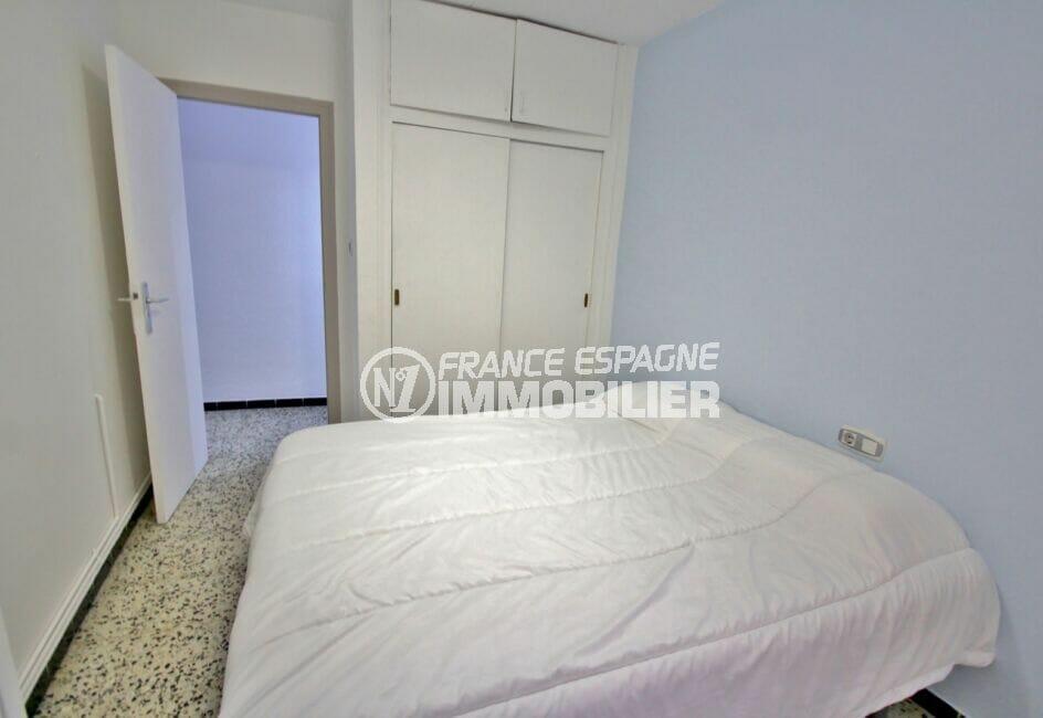 appartement à vendre à rosas espagne, 4 pièces 72 m², chambre avec armoire encastrée