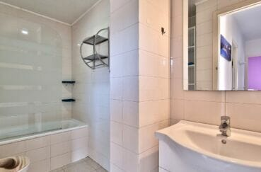 acheter appartement rosas, 3 pièces 60 m², salle de bain avec baignoire et wc