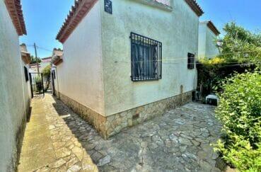 maison a vendre espagne bord de mer,  3 pièces 76 m², allée et cour intérieure
