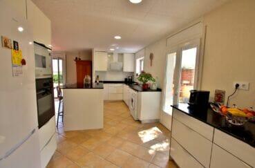 achat maison en espagne costa brava, 4 pièces 145 m², cuisine aménagée et équipée