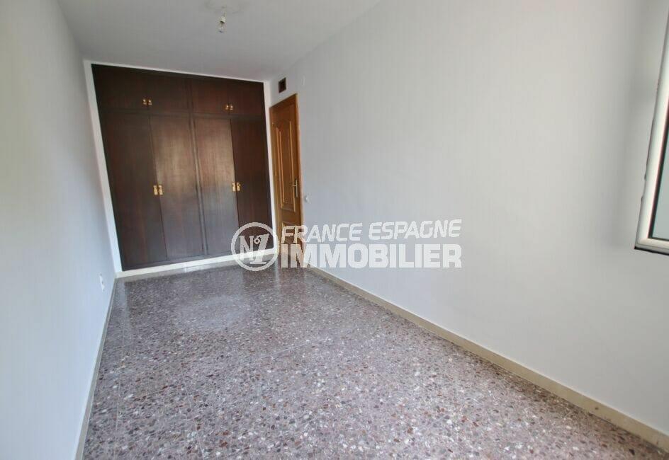 achat appartement espagne costa brava, 5 pièces 95 m², chambre à coucher avec penderie encastrée