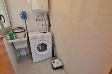 appartement à vendre à rosas espagne, 3 pièces 64 m², débarras avec lave-linge et évier