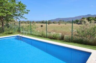 appartement à vendre à roses espagne, 3 pièces 64 m², piscine communautaire, vue dégagée