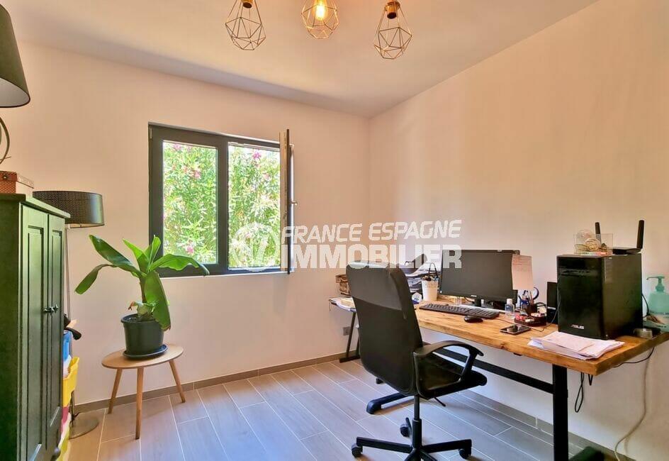 vente immobilière costa brava: villa 4 pièces 131 m², coin bureau avec luminaire au plafond