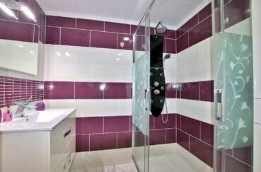 vente immobiliere rosas: appartement 4 pièces 96 m², 1° salle d'eau, douche hydromassante
