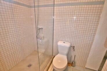 vente immobilière costa brava: villa  4 pièces 145 m², salle d'eau avec douche et wc